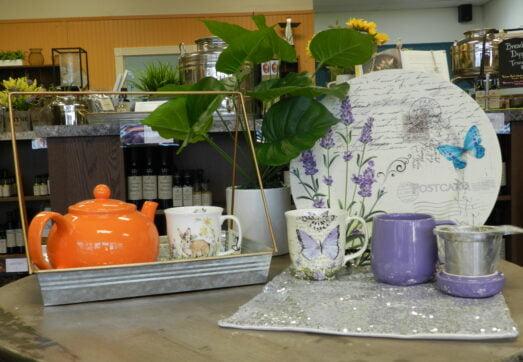 tea pot - cups - accessories